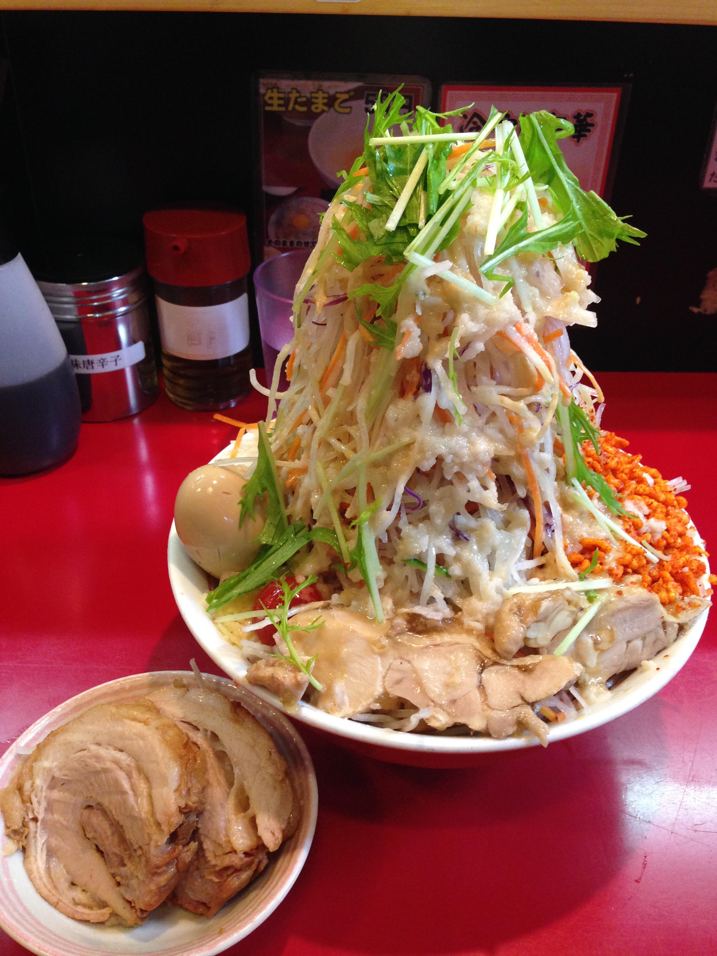 二郎系「千里眼」で聳え立つ冷やし中華を食した